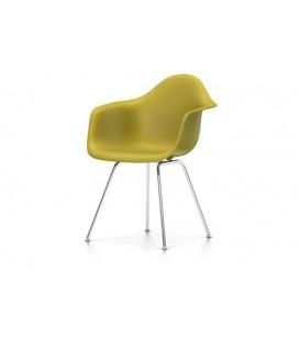 Eames Plastic Chair DAX. Base de acero tubular de cuatro patas