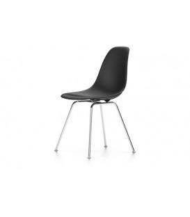 Eames Plastic Chair DSX. Base de acero tubular de cuatro patas