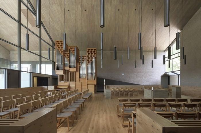 E15_Kirchenstuhl_WEB-1024x682