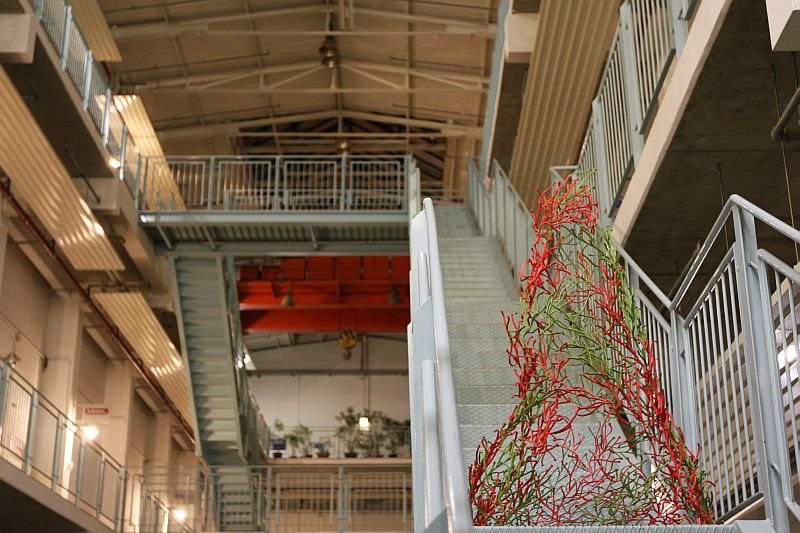 A.vitra-bouroullec-algue-christmas-tree-hall