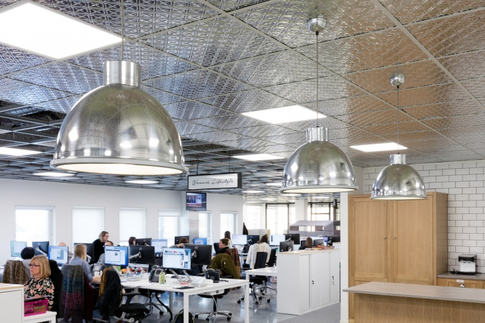 10. time-inc-offices-london-bradley-johnson-11-700x467