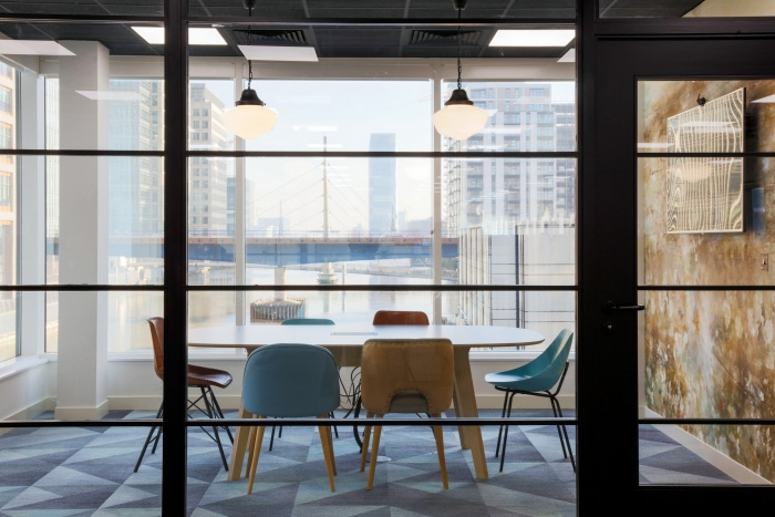 11. time-inc-offices-london-bradley-johnson-12-700x467