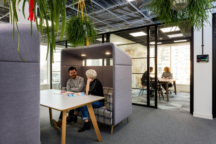 12. time-inc-offices-london-bradley-johnson-15-700x467
