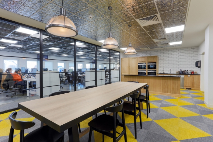 13. time-inc-offices-london-bradley-johnson-16-700x467