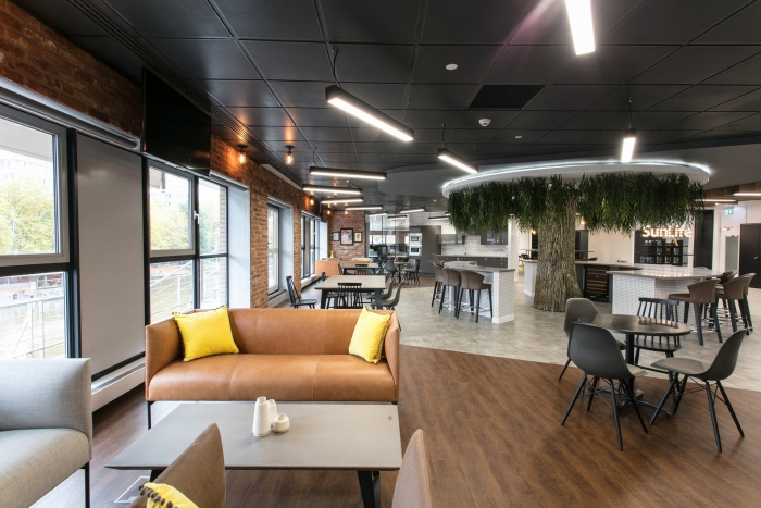 3.sunlife-offices-bristol-interaction-2-700x467