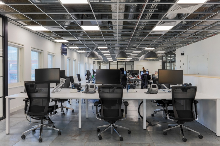 4. time-inc-offices-london-bradley-johnson-5-700x467