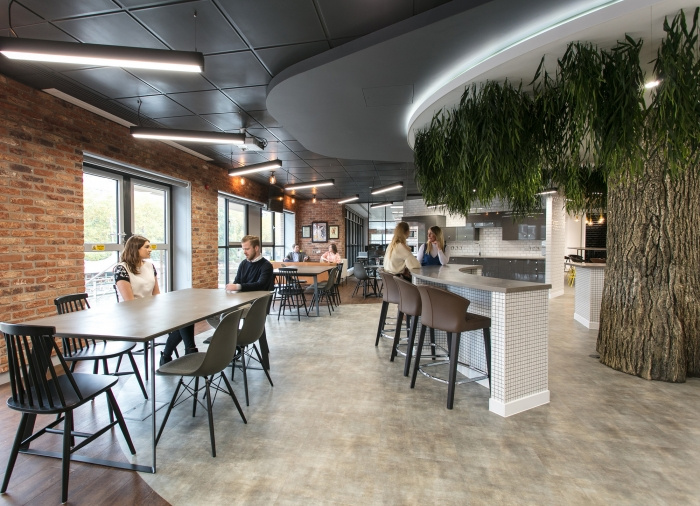 4.sunlife-offices-bristol-interaction-4-700x506
