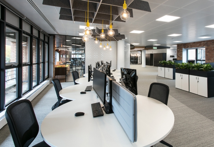 6.sunlife-offices-bristol-interaction-6-700x481