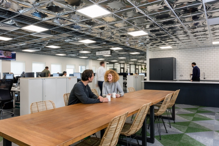 7. time-inc-offices-london-bradley-johnson-7-700x467