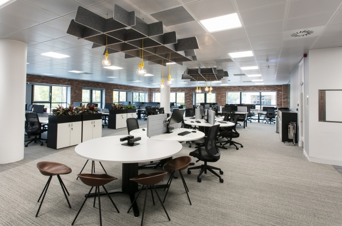 8.sunlife-offices-bristol-interaction-9-700x463